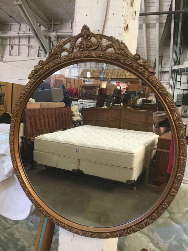 Antique Round Wood Frame Mirror With Gold Finish And Ornate Carved Trim Art Antiques Collectibles Antiques Other Antiques Auctions Online Proxibid