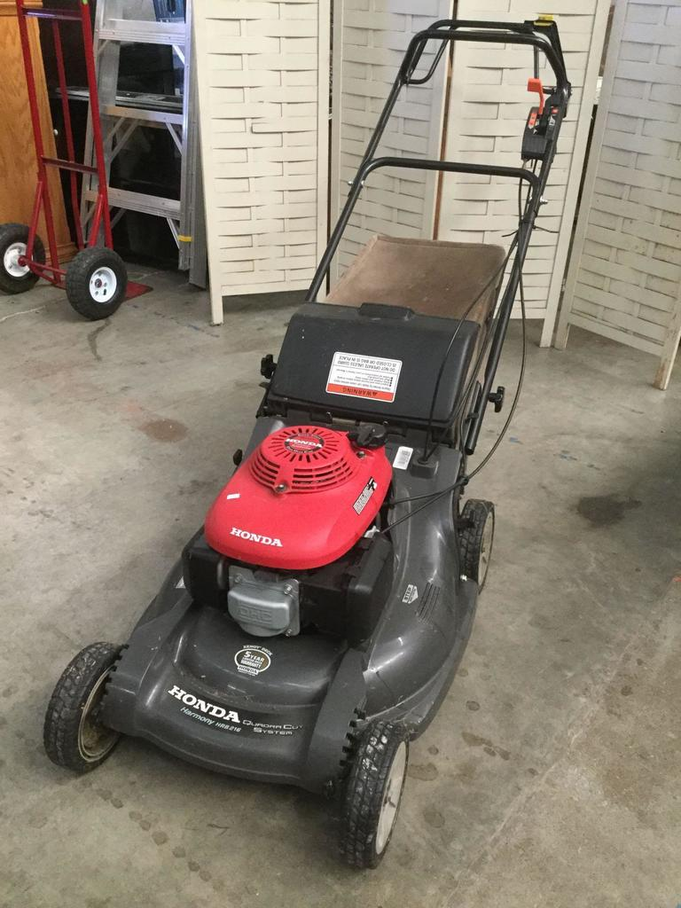 Honda Harmony Quadra Cut System Lawn Mower   Easy Start /self Propelled