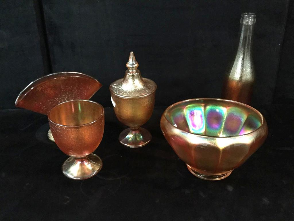 Lot: 5 pc of Marigold carnival glass dishes incl  4 pcs with crackle