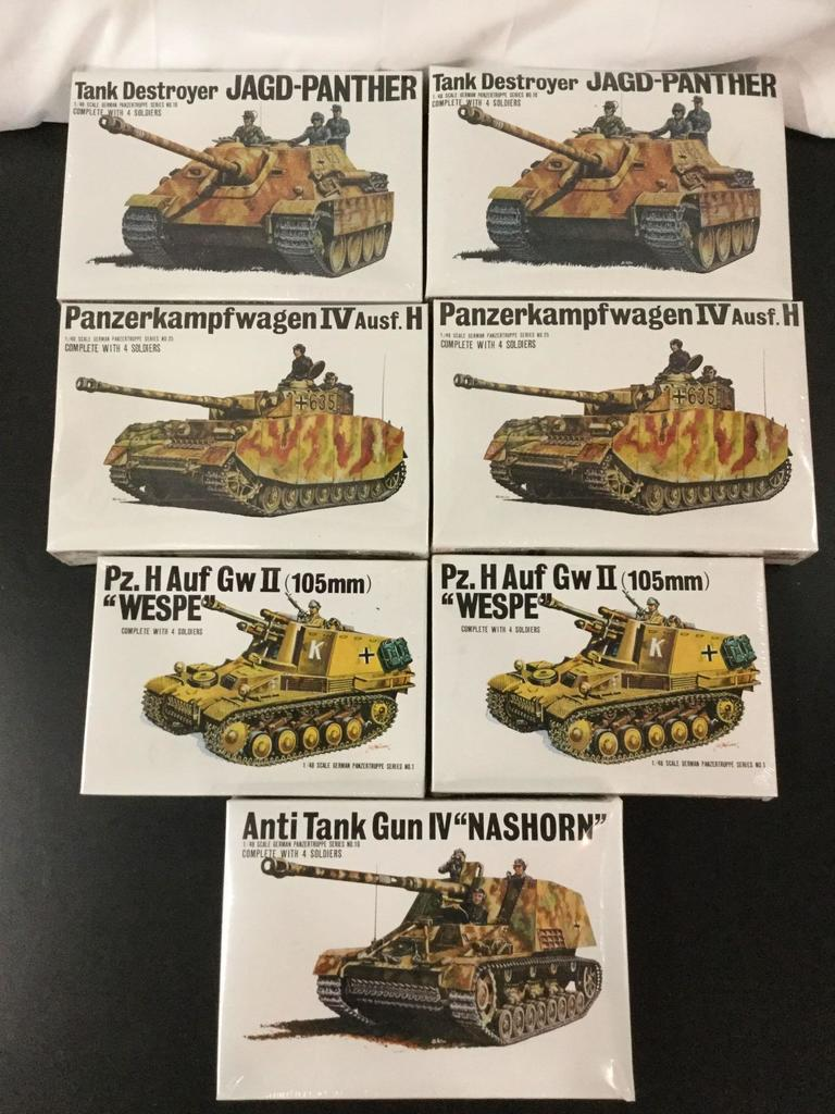 7x SEALED Bandai military plastic model kits, 1/48 scale; 2x German Tank Destroyer Jagd-Panther, 2x