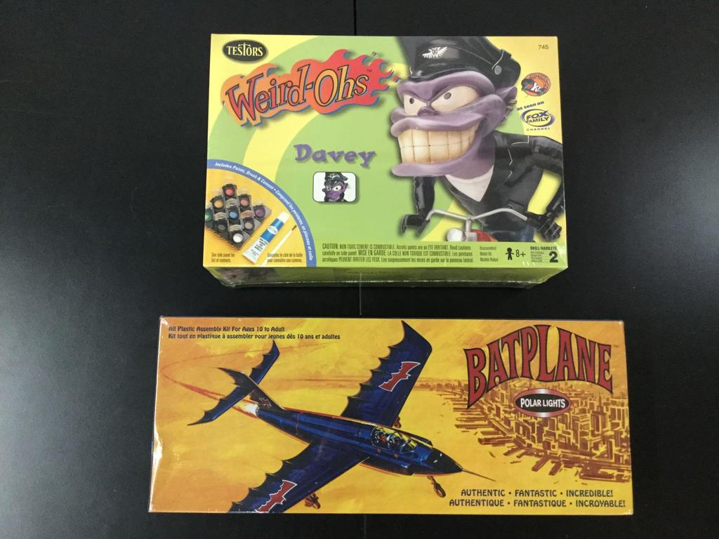 2x SEALED plastic character model kits; Testors Weird-Ohs Davey 1999, Polar Lights DC Comics Batman