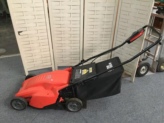 Black and Decker electric lawnmower, tested and working