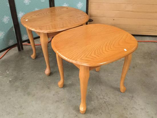 2x vintage light oak end tables