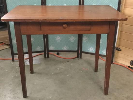 Small vintage one drawer desk in mahogany finish