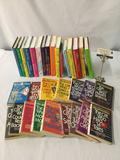 33 book collection Lillian Jackson Braun - The Cat Who ... series hardcover/ paperback
