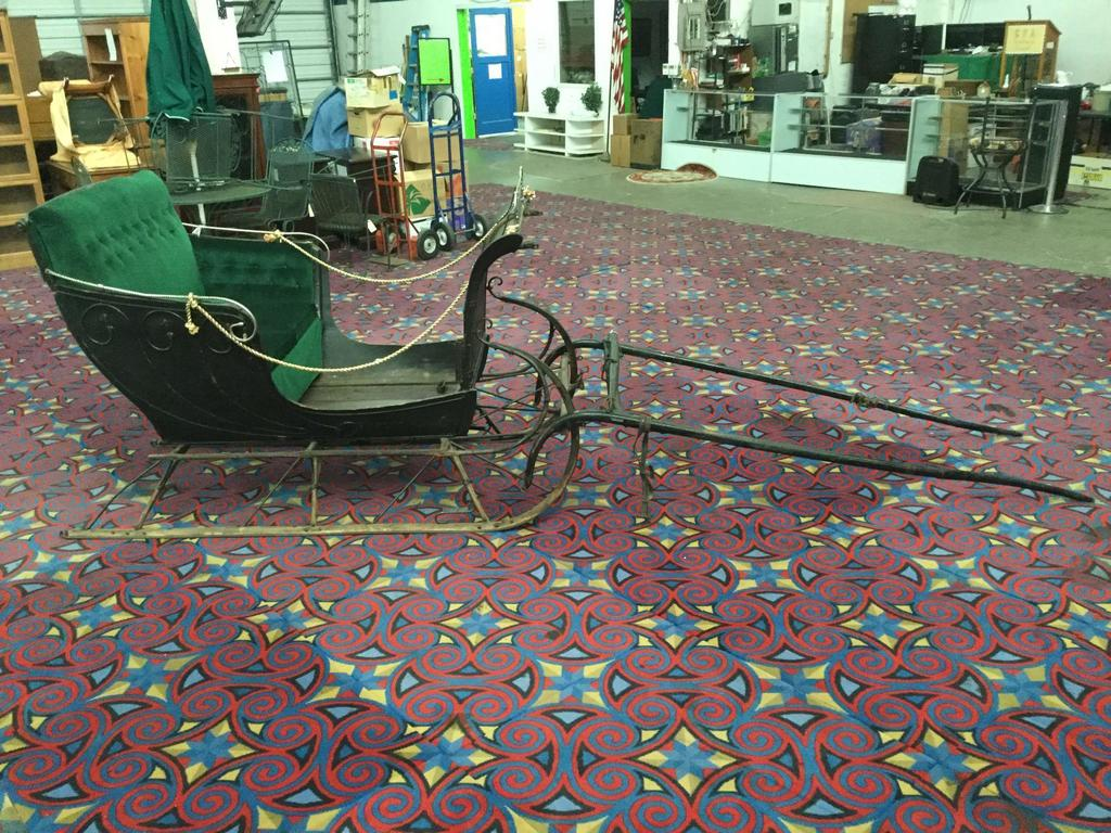 Antique Horse Driven Sleigh w/ cushioned seat by the Baynes Carriage Co, Hamilton Canada - see desc