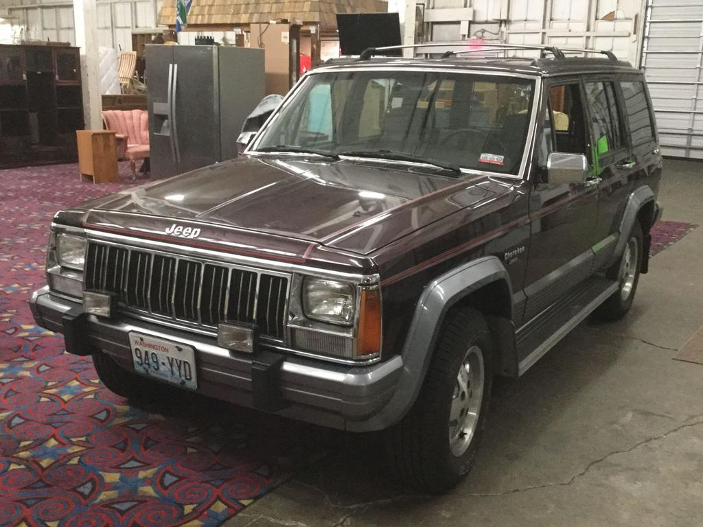 1991 Jeep Cherokee Laredo 4x4 6 cyl , automatic transmission, 183,000 miles.