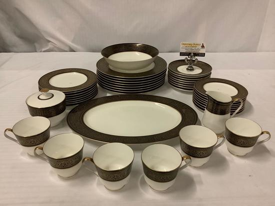 42 pc service for 6 porcelain china set by Mikasa - Mount Holyoke, made in Narumi Japan