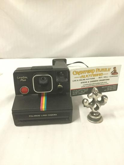 Vintage Polaroid One Step Plus Land Camera. Uses XS-70 films