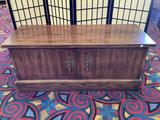 Vintage lane cedar blanket chest with classic look