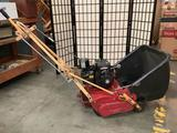 Briggs and Stratton - 3HP/ McLane 7-blade lawn mower for fine and low cut - tested as is