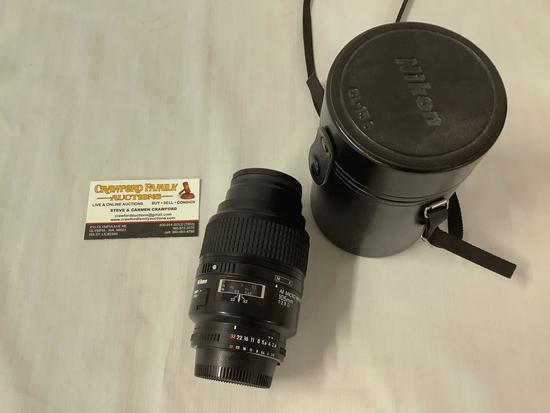 Nikon AF Micro Nikkon 105mm 1:2.8 D Camera Lens with leather case