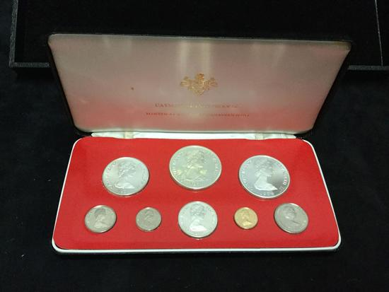 8 coin 1976 Cayman Islands Proof set by the Royal Canadian Mint - half dollar - 5 dollar are .925