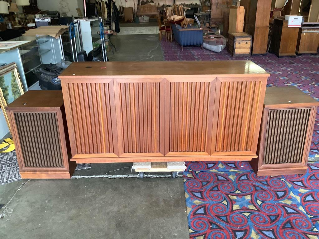 Vintage 1966 Kiguchi Custom cabinets home stereo system in light oiled walnut - see desc