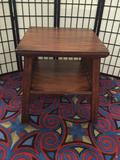 Modern mission style side table in good cond