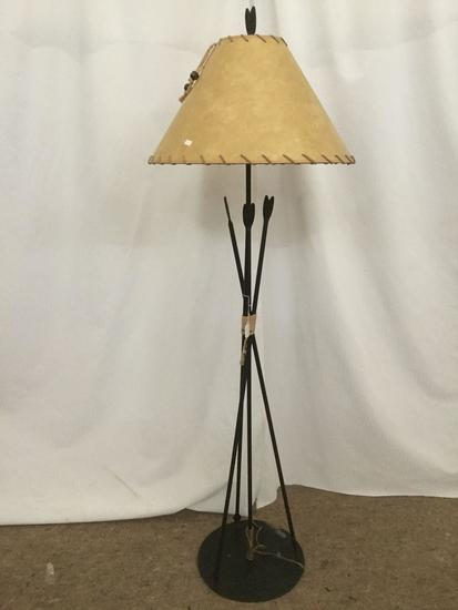 Vintage Western lamp designed to look like a quiver of arrows w/ leather shade, etc -