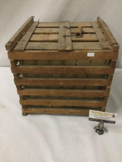 Antique wooden egg crate w/ handle - room for over 30 eggs - good cond