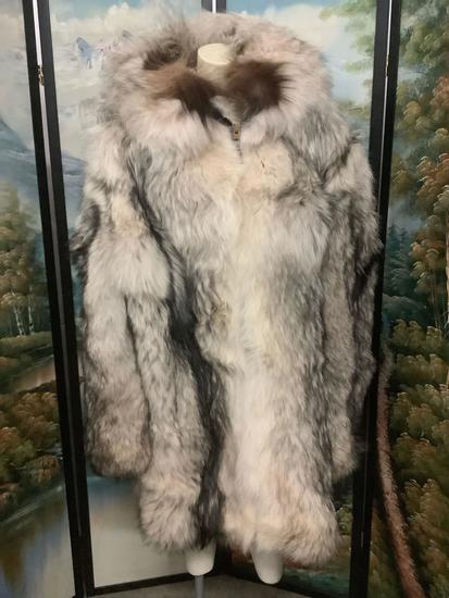 David Green (Anchorage, AK) Alaskan Wolf fur coat/parka, very nice condition, approx size 2XL