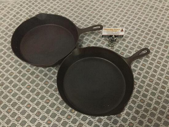 Pair of antique Puritan size 9 and 9A cast iron pans