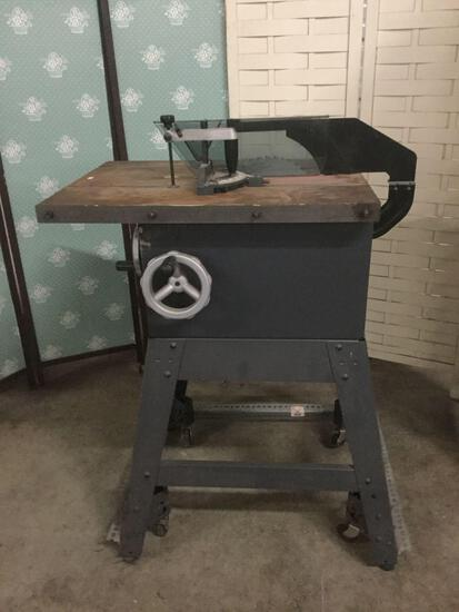 Craftsman 315.228510 10 inch table saw. Untested, no power cord. approx 32x24x44 inches....