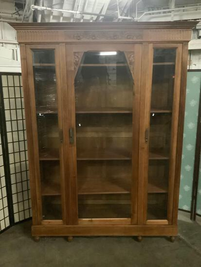 Antique carved oak curio display cabinet with floral detail and key - amazing cond