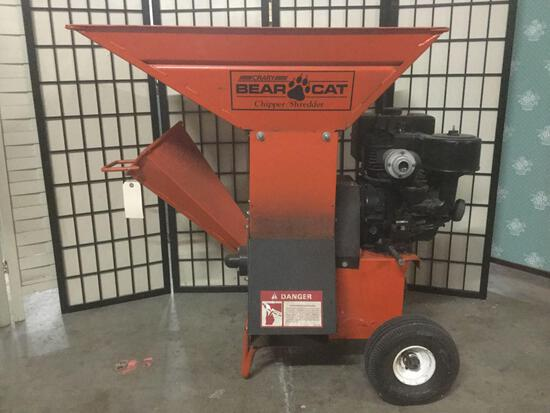 Crary Bear Cat chipper/shredder No.80 w/ Briggs & Stratton 8 HP motor, needs tire repair, working