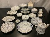 46 pieces of English made Furnivals Limited Denmark pattern China, incl. serving dishes, teapot +
