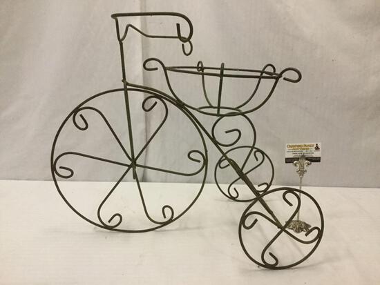 Metal 3-wheel bike /tricycle planter stand, approx. 25x15x20 inches.