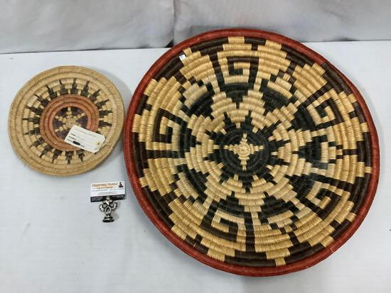 2 x wedding baskets w/ Navajo wedding basket. Largest approx 25x25x5 inches.