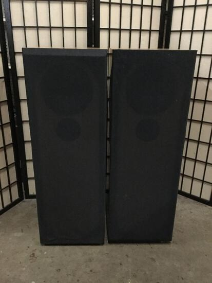 Pair of custom made Oak cabinet hi-fi stereo speakers.