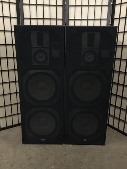 Pair of Sansui speakers S-920U The Tower speaker system.