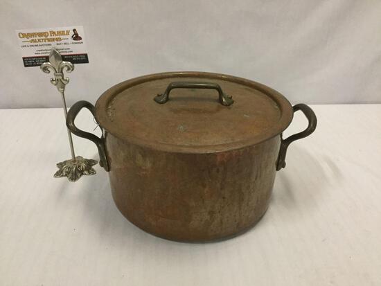 "Antique copper lidded stock sauce pot - 10"" across and 6"" deep"