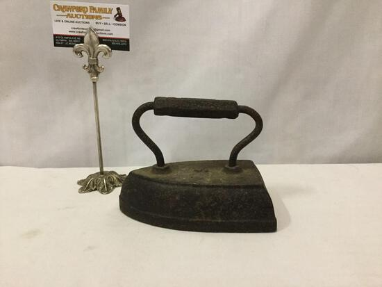 Antique iron marked St. Louis on handle