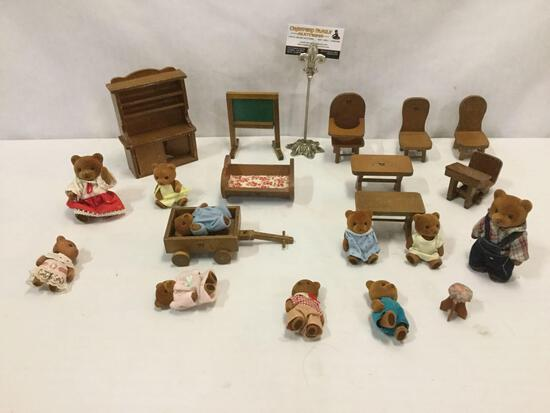 10 Sylvania Families Calico Critters Bear Family toys w/ 10 pieces of mini wooden furniture