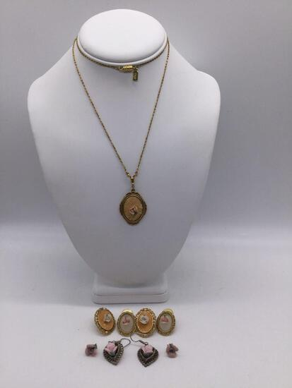 1928 antique style porcelain flower necklace w/ 4 pairs of earrings