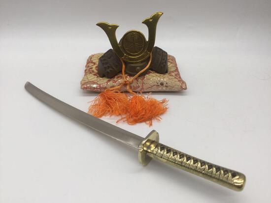 Small cast metal Samurai helmet replica w/ display pillow & metal katana sword replica