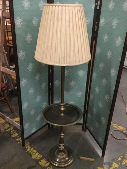 Standing parlor lamp with brass tone base & shade, tested/working