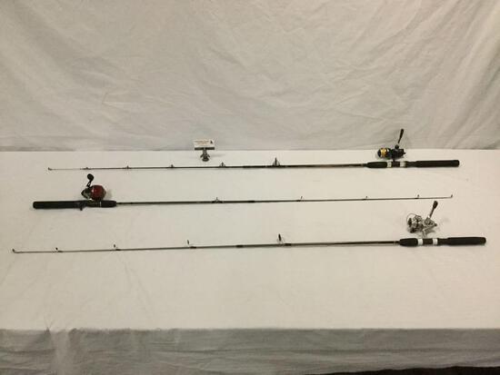 Lot fo 3 fishing poles w/ reels: 2 Zebco & Quantum