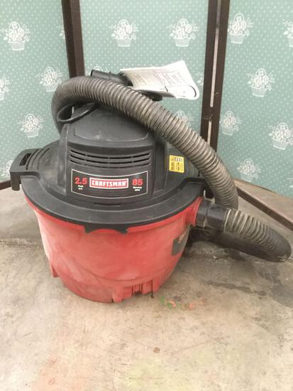 Craftsman 6 GallonWet/Dry Vacuum w/ attachments / manual