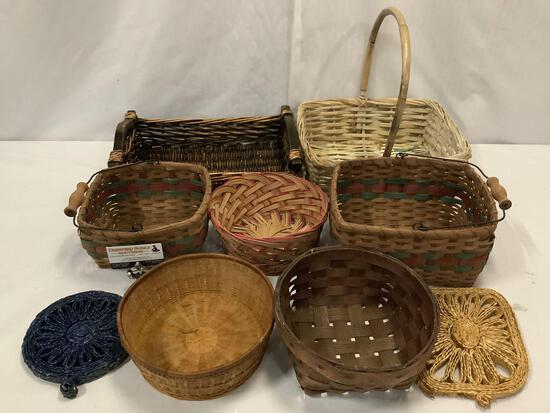 Collection of 7 vintage and modern wicker baskets.