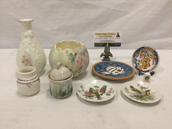 Collection of 9 stoneware & porcelain home decor items