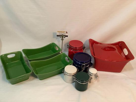 9 piece lot of kitchen containers & serving dishes