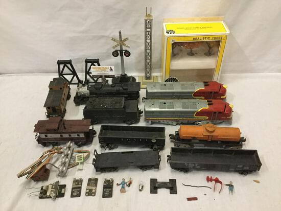 Vintage Lionel 2026 027 o27 Locomotive train car and collection of model trains / diorama set pieces