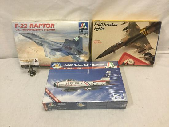 3 vintage model airplane kits