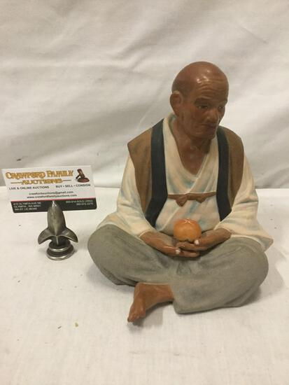 Hakata Urasaki doll of sitting man