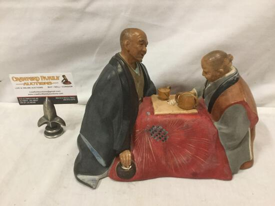 Hakata Urasaki doll of couple drinking tea