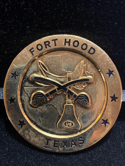 Large Challenge Coin: Fort Hood Texas / 1st Cavalry Division / The First Team
