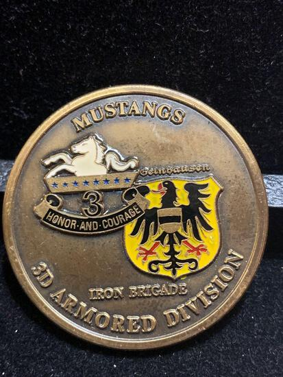 Challenge Coin : Mustangs/ 3d Armored Division / 3rd Division/ 8th Cavalry