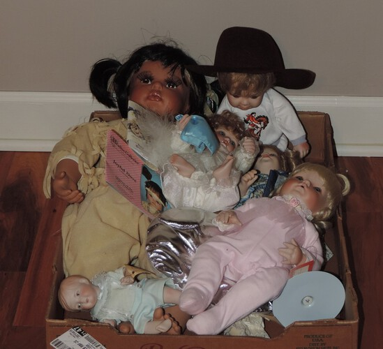 Tray Lot Collector Dolls