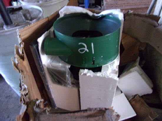 NEW CENTRAL MACHINERY 2HP DUST COLLECTOR